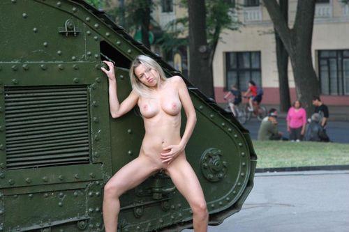 голые фото девушек харькова