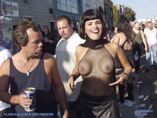 Фото обнаженной груди третьего размера.