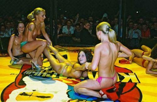 женские бои голышом фото