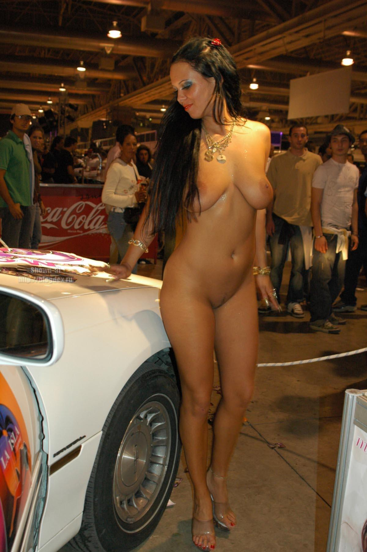 Does not Nude babes and cars peachy share