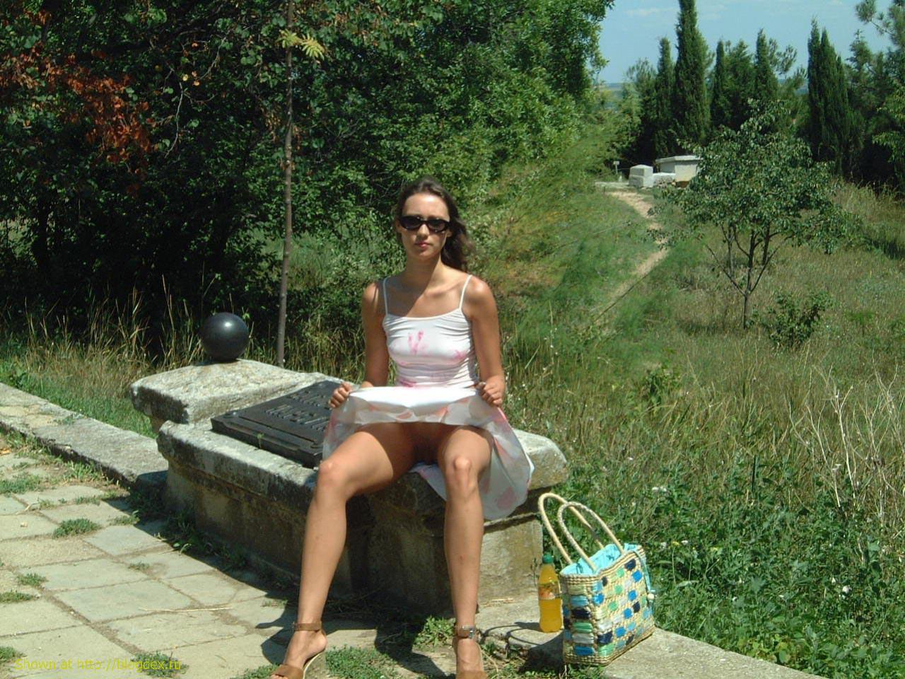 Стриптиз на улице русские 1 фотография