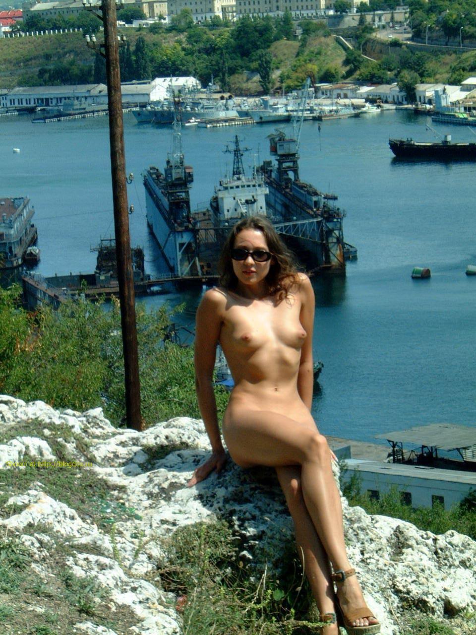 На фото проститутки набережной в девушек ялте