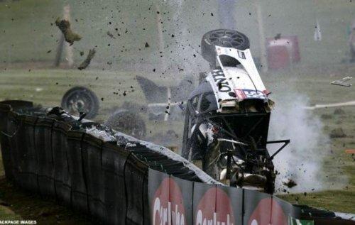 Авария на гонках